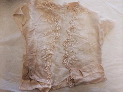 Blouse (main garment)