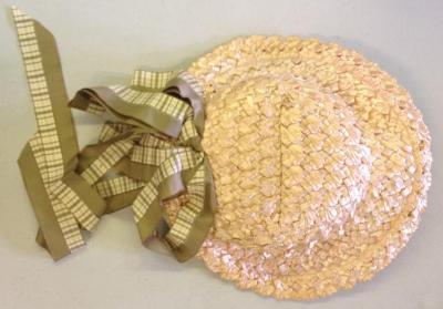 straw hats (sun hats)