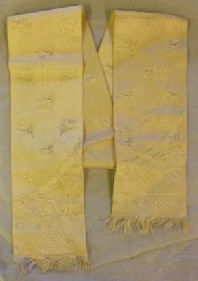 scarves (costume accessories)