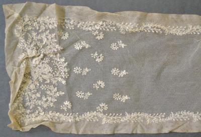 scarf (costume accessory)
