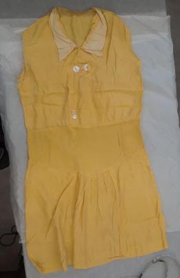 Dress (garment)