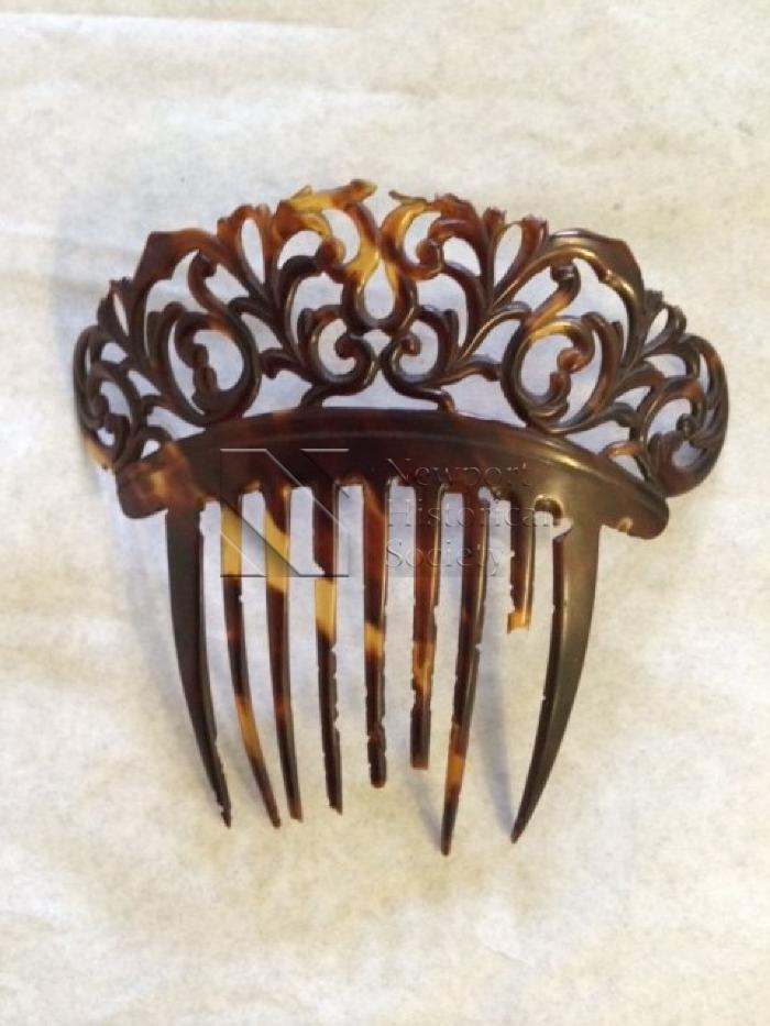 Comb (hair ornament)
