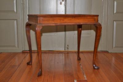 Tea Table (table)